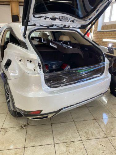 Фото бронирования заднего бампера Lexus